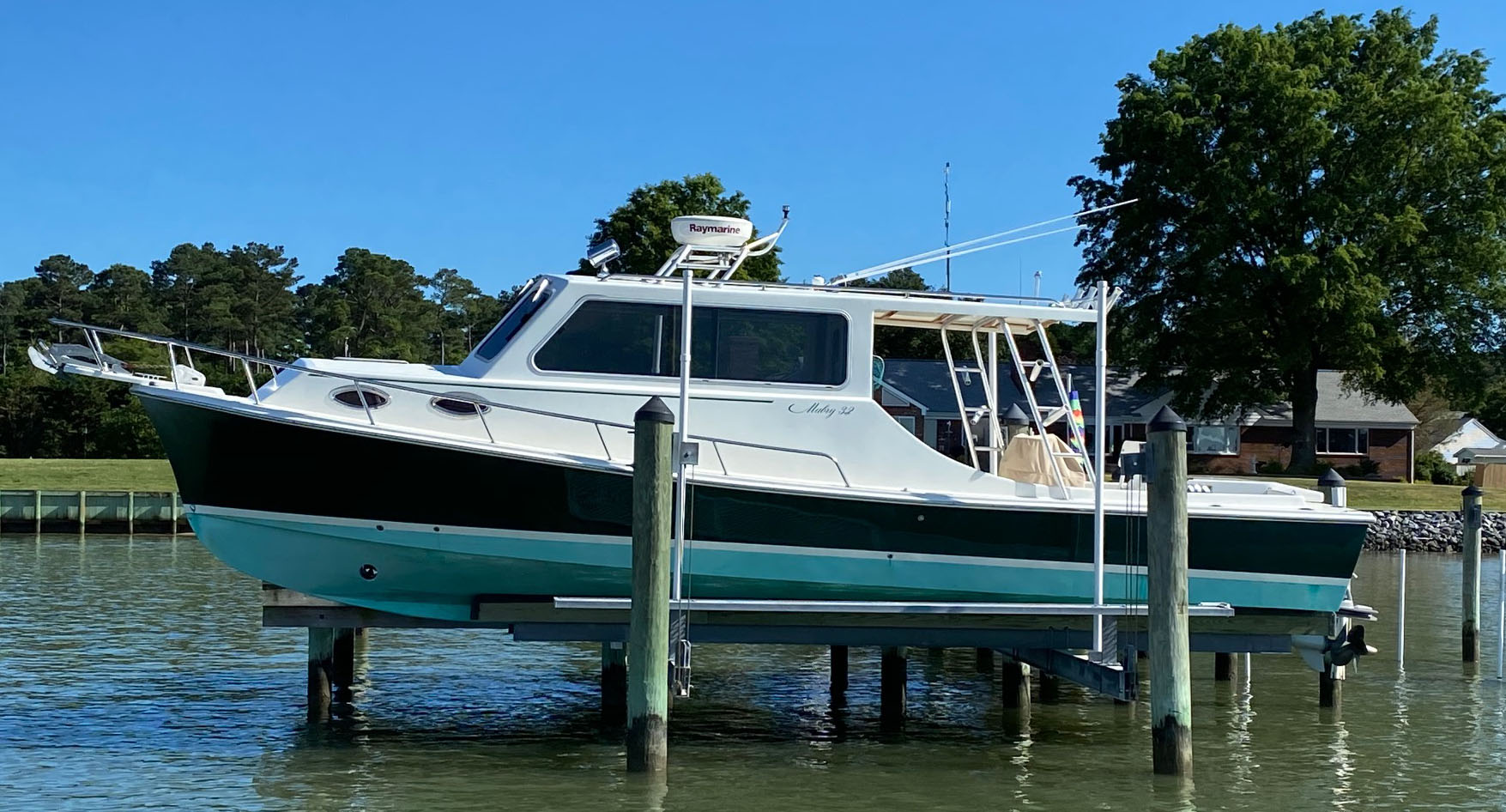 32 ft. Custom Mabry 2006 Image